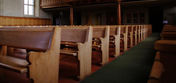 21b-church-pews
